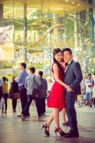 Cherlyn and Ben's Siam Paragon pre-wedding (prenuptial, engagement session) in Bangkok, Thailand. Siam Paragon_Bangkok_wedding_photographer__1293.TIF