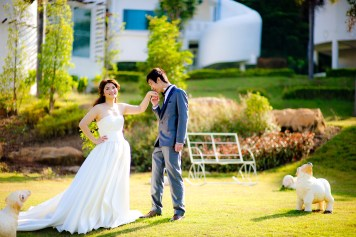 Yuen and Chan's The Buda Muaklek Resort pre-wedding (prenuptial, engagement session) in Saraburi, Thailand. The Buda Muaklek Resort_Saraburi_wedding_photographer_Yuen and Chan_1988.TIF