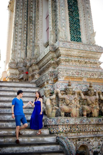 Yuchen and Wenquan's Wat Arun pre-wedding (prenuptial, engagement session) in Bangkok , Thailand. Wat Arun_Bangkok _wedding_photographer_Yuchen and Wenquan_0359.TIF