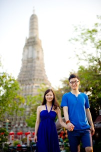 Yuchen and Wenquan's Wat Arun pre-wedding (prenuptial, engagement session) in Bangkok , Thailand. Wat Arun_Bangkok _wedding_photographer_Yuchen and Wenquan_0363.TIF
