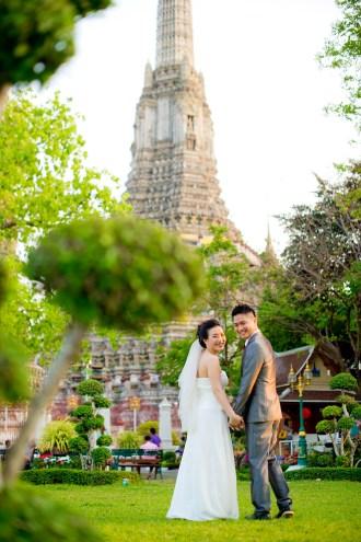 Edith and Joe's Wat Arun pre-wedding (prenuptial, engagement session) in Bangkok, Thailand. Wat Arun_Bangkok_wedding_photographer_Edith and Joe_1572.JPG