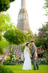 Pre-Wedding at Wat Arun in Bangkok Thailand | Bangkok Wedding Photography