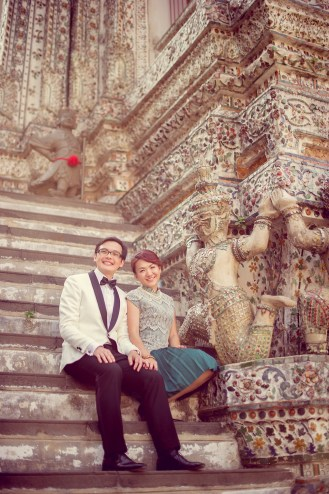 Loh and Jason's Wat Arun pre-wedding (prenuptial, engagement session) in Bangkok, Thailand. Wat Arun_Bangkok_wedding_photographer_Loh and Jason_1813.TIF