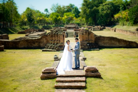 Ya-Win and Ray's Wiang Kum Kam pre-wedding (prenuptial, engagement session) in Chiang Mai, Thailand. Wiang Kum Kam_Chiang Mai_wedding_photographer_Ya-Win and Ray_0271.TIF