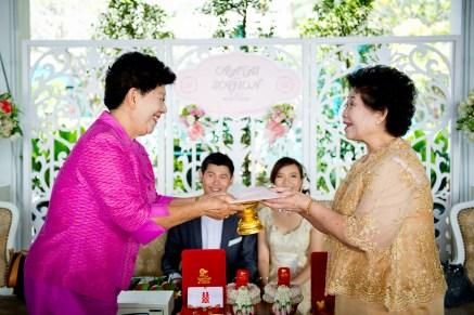 Oratai and Sophon's Anantara Riverside Bangkok Resort wedding in Bangkok, Thailand. Anantara Riverside Bangkok Resort_Bangkok_wedding_photographer_Oratai and Sophon_31.TIF