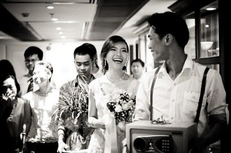 Oratai and Sophon's Anantara Riverside Bangkok Resort wedding in Bangkok, Thailand. Anantara Riverside Bangkok Resort_Bangkok_wedding_photographer_Oratai and Sophon_37.TIF
