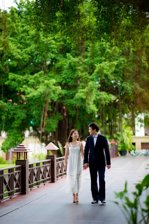 Rachel and Michael's Banyan Tree Phuket pre-wedding (prenuptial, engagement session) in Phuket, Thailand. Banyan Tree Phuket_Phuket_wedding_photographer_Rachel and Michael_34.TIF