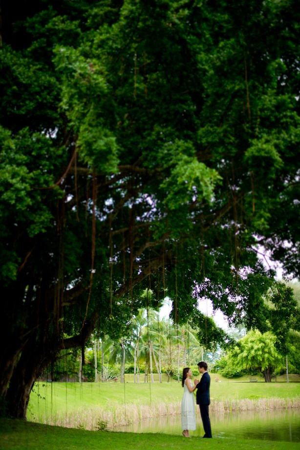 Rachel and Michael's Banyan Tree Phuket pre-wedding (prenuptial, engagement session) in Phuket, Thailand. Banyan Tree Phuket_Phuket_wedding_photographer_Rachel and Michael_38.TIF