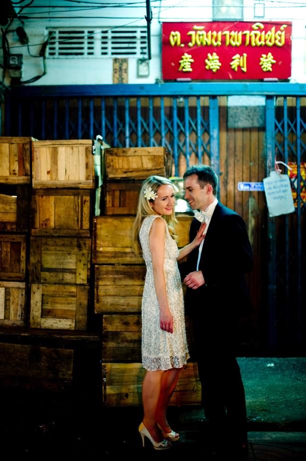 Anna and Kamil's China Town pre-wedding (prenuptial, engagement session) in Bangkok, Thailand. China Town_Bangkok_wedding_photographer_Anna and Kamil_10.TIF