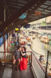 Nina and Michael's Damnoen Saduak Floating Market pre-wedding (prenuptial, engagement session) in Ratchaburi, Thailand. Damnoen Saduak Floating Market_Ratchaburi_wedding_photographer__05.TIF