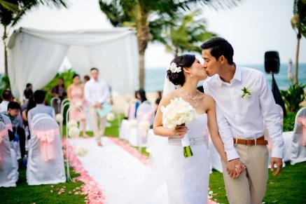Berry and Tan's InterContinental Danang Sun Peninsula Resort wedding in Danang City, Thailand. InterContinental Danang Sun Peninsula Resort_Danang City_wedding_photographer_Berry and Tan_062.TIF