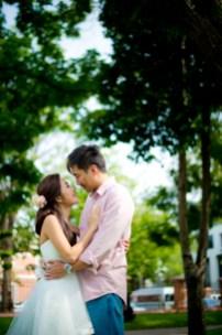 Moon and Chau's Park pre-wedding (prenuptial, engagement session) in Bangkok, Thailand. Park_Bangkok_wedding_photographer_Moon and Chau_103.TIF