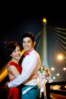 Stephanie and Kelvin's Rama VIII Bridge pre-wedding (prenuptial, engagement session) in Bangkok, Thailand. Rama VIII Bridge_Bangkok_wedding_photographer_Stephanie and Kelvin_23.JPG