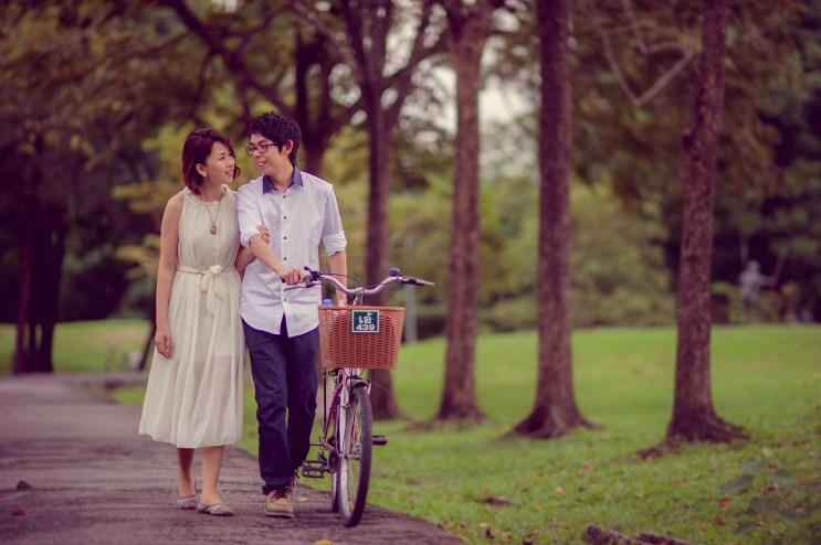 Amy and Kong's Rod Fai Park pre-wedding (prenuptial, engagement session) in Bangkok, Thailand. Rod Fai Park_Bangkok_wedding_photographer_Amy and Kong_153.TIF