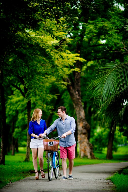 Candice and Troy's Rod Fai Park pre-wedding (prenuptial, engagement session) in Bangkok, Thailand. Rod Fai Park_Bangkok_wedding_photographer_Candice and Troy_06.JPG