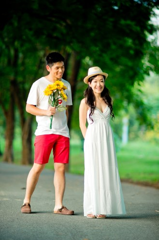 Stephanie and Kelvin's Rod Fai Park pre-wedding (prenuptial, engagement session) in Bangkok, Thailand. Rod Fai Park_Bangkok_wedding_photographer_Stephanie and Kelvin_05.JPG