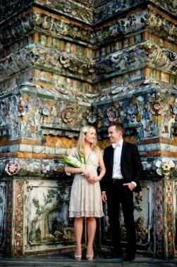 Anna and Kamil's Wat Arun pre-wedding (prenuptial, engagement session) in Bangkok, Thailand. Wat Arun_Bangkok_wedding_photographer_Anna and Kamil_01.TIF
