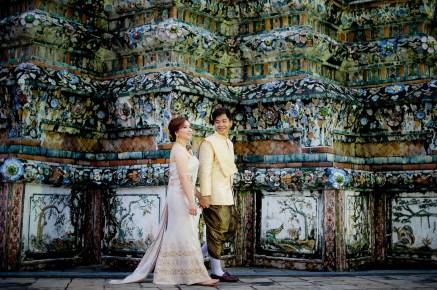 Gloria and Evan's Wat Arun pre-wedding (prenuptial, engagement session) in Bangkok, Thailand. Wat Arun_Bangkok_wedding_photographer_Gloria and Evan_2282.TIF