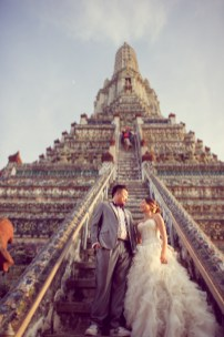 Wu and Lai's Wat Arun pre-wedding (prenuptial, engagement session) in Bangkok, Thailand. Wat Arun_Bangkok_wedding_photographer_Wu and Lai_276.TIF