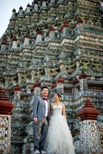 Wu and Lai's Wat Arun pre-wedding (prenuptial, engagement session) in Bangkok, Thailand. Wat Arun_Bangkok_wedding_photographer_Wu and Lai_278.TIF