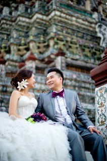 Wu and Lai's Wat Arun pre-wedding (prenuptial, engagement session) in Bangkok, Thailand. Wat Arun_Bangkok_wedding_photographer_Wu and Lai_280.TIF