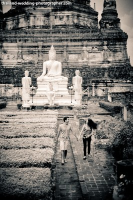American Couple's Wat Yai Chai Mongkhon pre-wedding (prenuptial, engagement session) in Ayutthaya, Thailand. Wat Yai Chai Mongkhon_Ayutthaya_wedding_photographer_American Couple_04.JPG