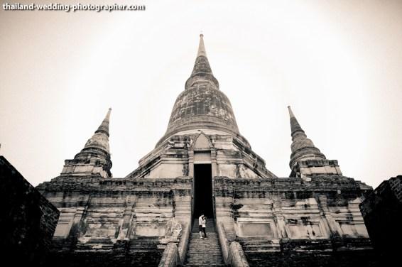American Couple's Wat Yai Chai Mongkhon pre-wedding (prenuptial, engagement session) in Ayutthaya, Thailand. Wat Yai Chai Mongkhon_Ayutthaya_wedding_photographer_American Couple_05.JPG