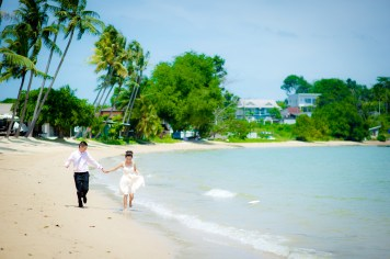 Xiaofen and Eric's Crowne Plaza Phuket Panwa Beach pre wedding (prenuptial, engagement session) in Phuket, Thailand. Crowne Plaza Phuket Panwa Beach_Phuket_wedding_photographer_Xiaofen and Eric_12.JPG