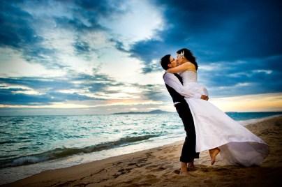 Kissing Photo   Pattaya Beach Wedding - Thailand Wedding Photography