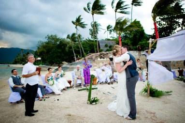 Kissing Photo | Koh Samui Thailand Wedding Photography
