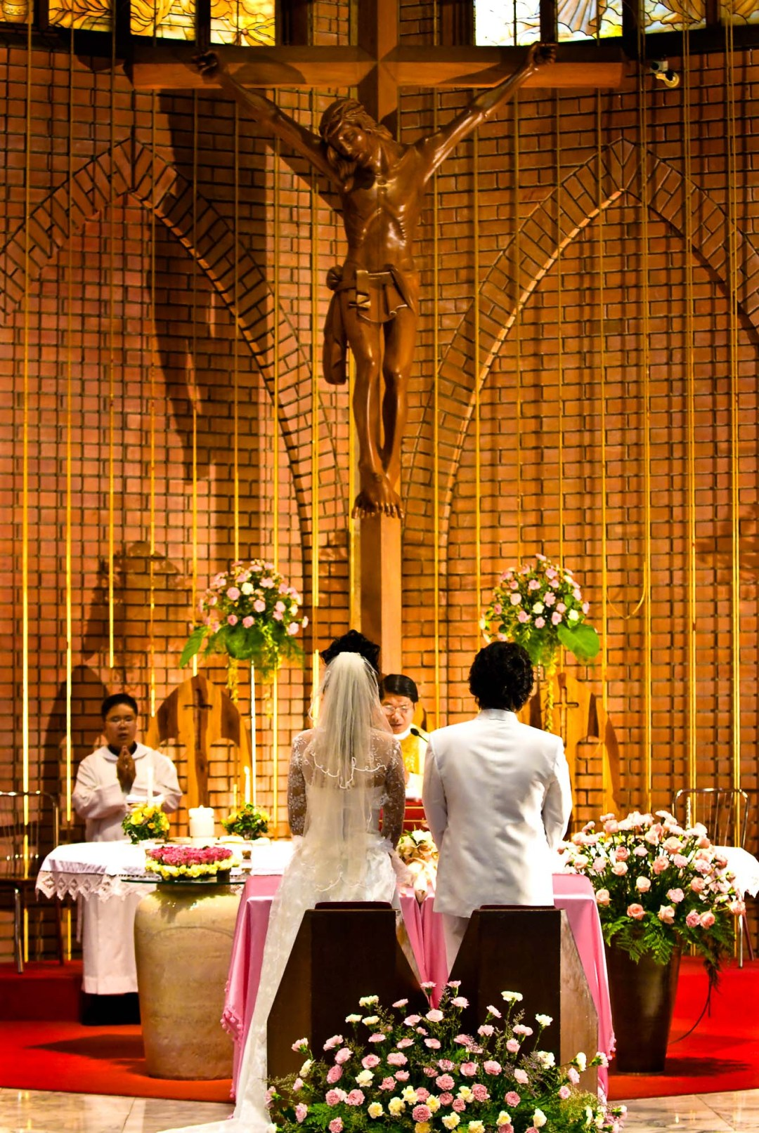 Wedding at Saint John's Church in Bangkok Thailand | Bangkok Wedding Photography