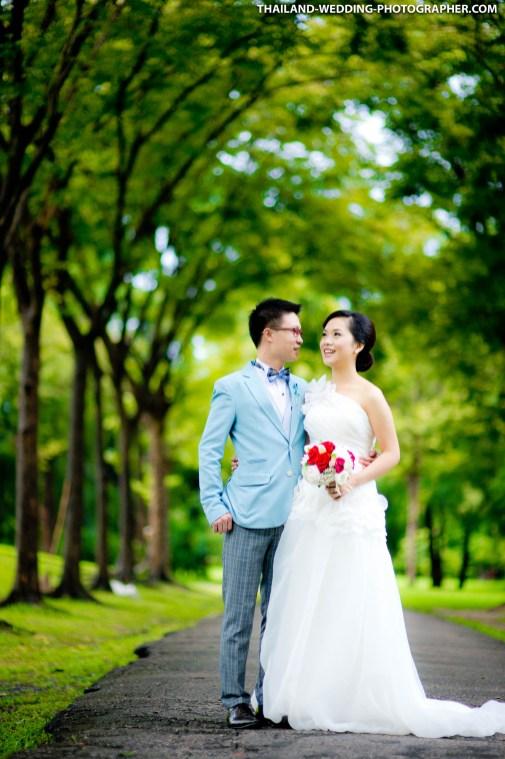 Thailand Bangkok Rod Fai Park Engagement Session   NET-Photography Thailand Wedding Photographer
