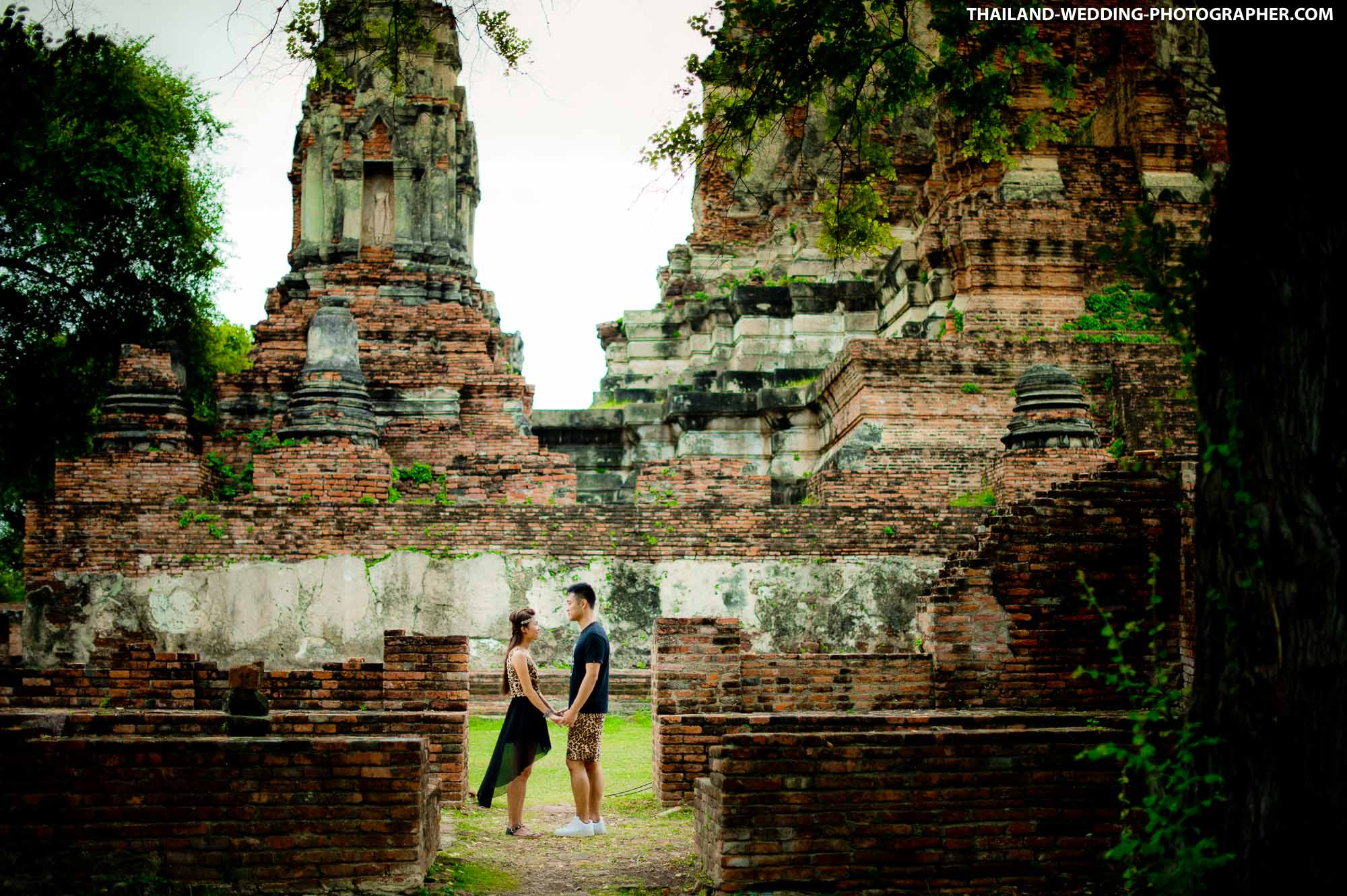 Ayutthaya Pre-Wedding of Erica & Raymond