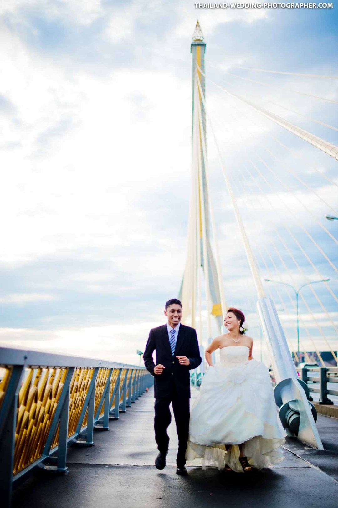 Rama VIII Suspension Bridge Engagement Session