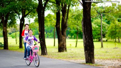 Rod Fai Park Bangkok Pre-Wedding Photography