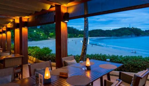 ロックソルト プーケット :ナイハーンビーチの海辺のレストラン