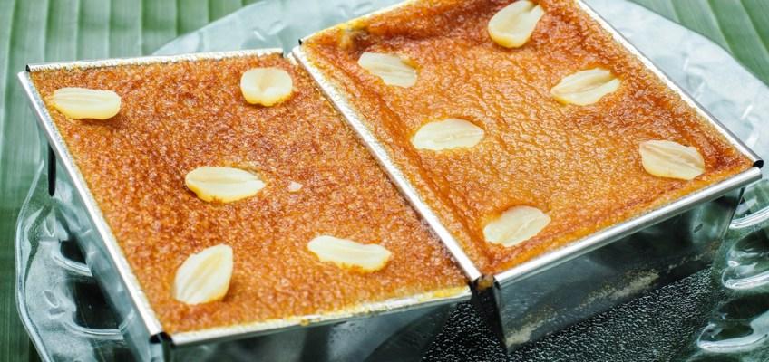 Thai Custard Cakes (ขนมหม้อเแกง) Petchaburi Thailand
