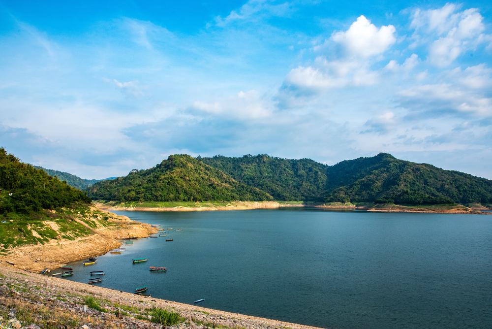Khun Dan Prakan Chon Dam (เขื่อนขุนด่านปราการชล)