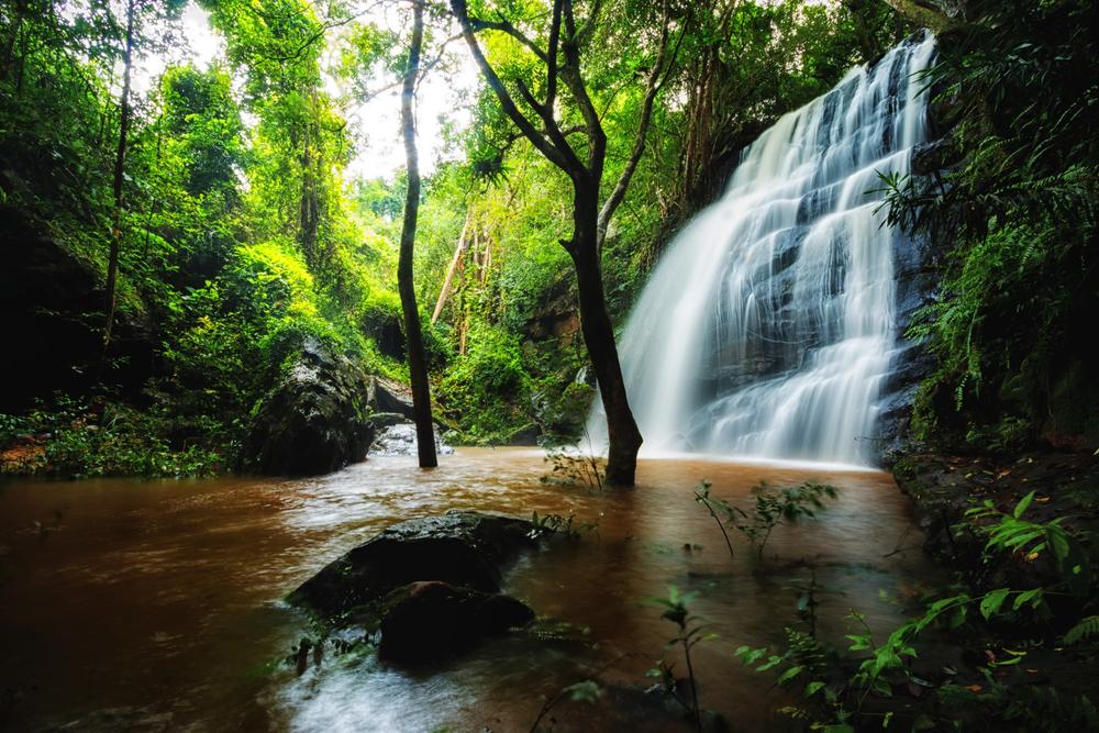 Tad Fah Waterfall (น้ำตกตาดใหญ่)