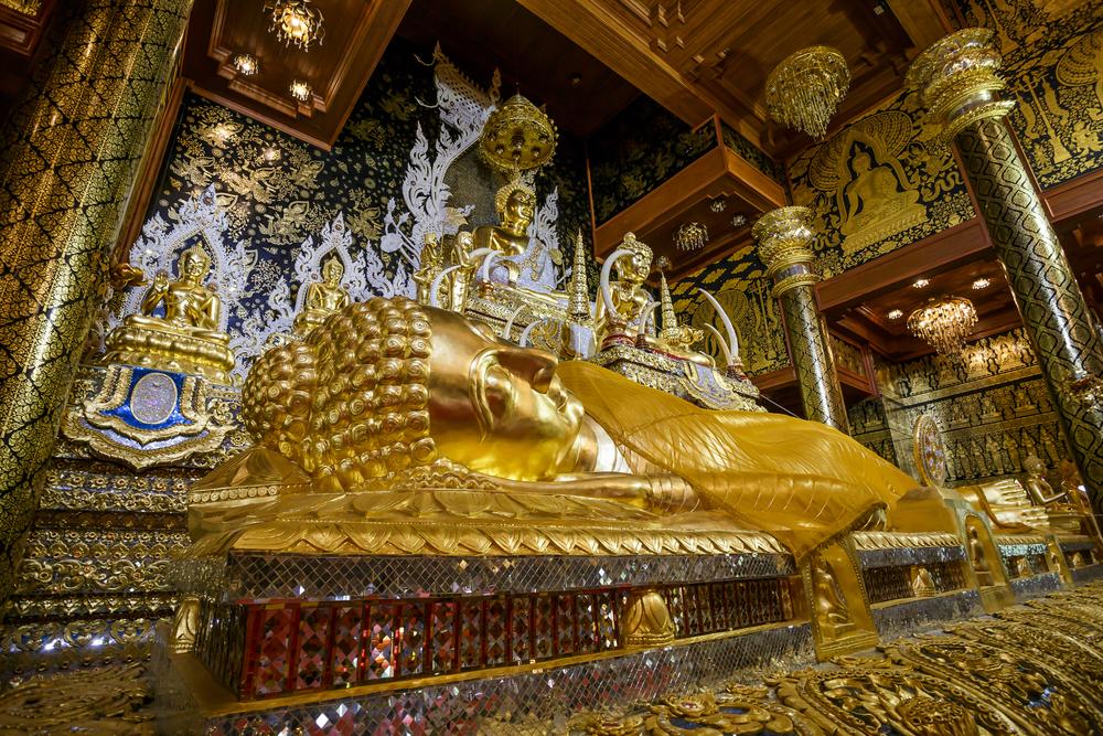 Wat Tha Mai (วัดท่าไม้)