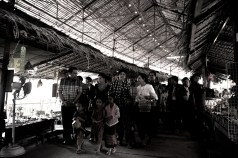 yingluck walkabout