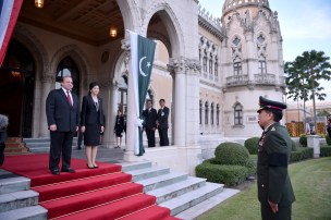 Nawas greeted by Thai army