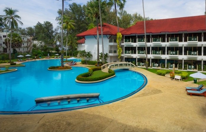 Amora Beach Resort 4