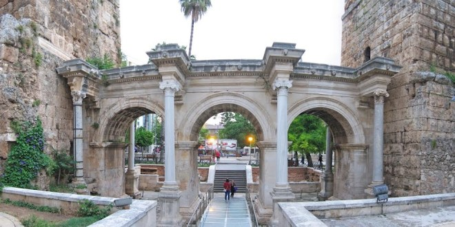 Ворота Адриана - Анталия