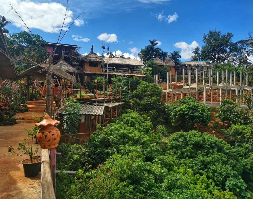 The resort and homestay of Akha Mudhouse in Chiang Rai. View of New construction.