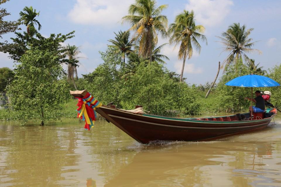 Boat traffic in Surat Thani