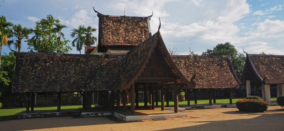 Wat Ton Kwen Pavilion in Hang Dong