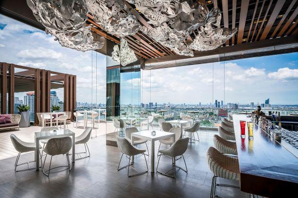 AVANI Riverside Bangkok Hotel_Infinity Bar 1