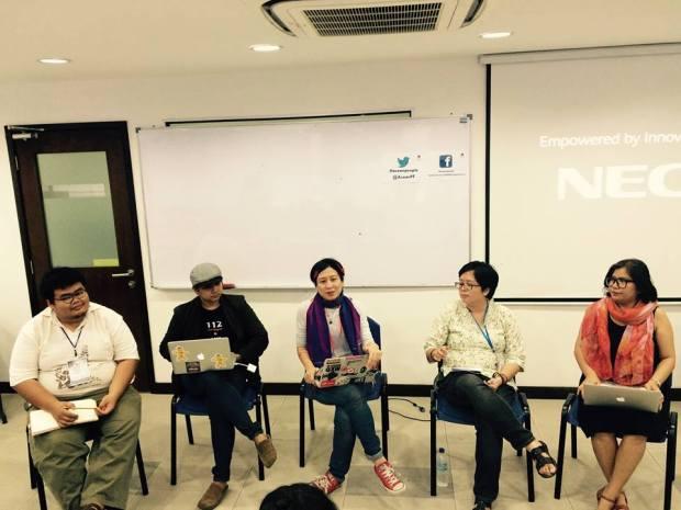 (จากขวาไปซ้าย) Jelen Paclarin, Yasmin Masidi, Jac sm Kee, ชุมาพร แต่งเกลี้ยง, และวีรฉัตร แก้วประดิษฐ์