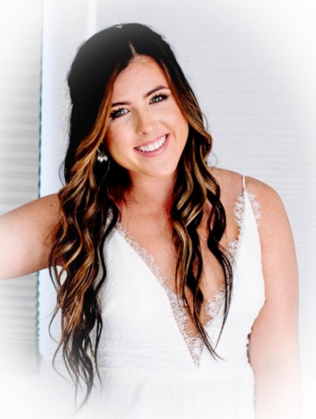 Hanna Jones, hairstylist, Thairapie hair salon, Southlake TX